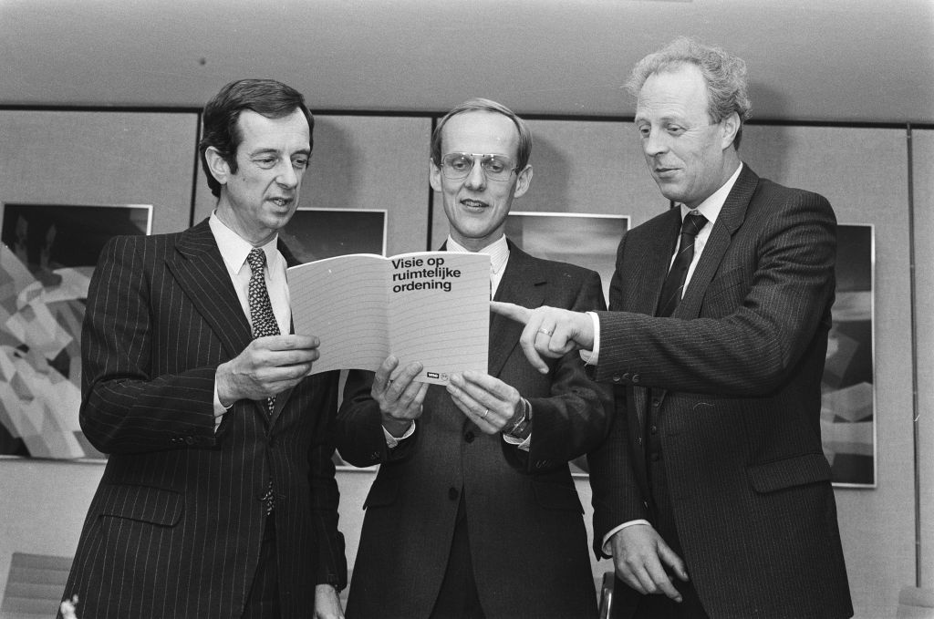 Note on spatial planning with vision by employers' associations, 1986, photographer unknown / Anefo, Nationaal Archief / Fotocollection Anefo, licence CC-BY