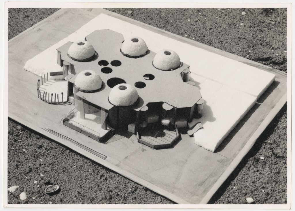 J. Váhl. Hippopotamus House, study project TH Delft, 1966. Photograph of a model. Collection Het Nieuwe Instituut, VAHL 5